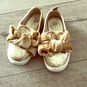 GAP sneakers gold sparkle